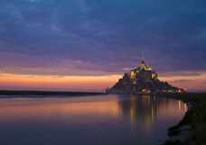 Escena de la tarde de Mont Saint Michel Imagen de archivo libre de regalías