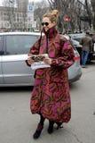 Escena de Streetstyle durante la semana de la moda imagenes de archivo