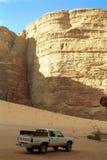 Escena del desierto, ron del lecho de un río seco, Jordania Imagen de archivo