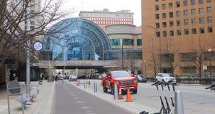 Escena del edificio de Artsgarden en Indianapolis, Indiana 4K almacen de metraje de vídeo