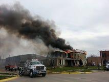 Escena del fuego con el sitio del humo para el texto. Foto de archivo libre de regalías