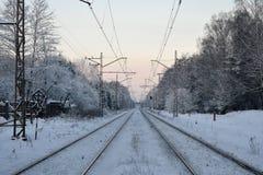 Escena del invierno con el ferrocarril Foto de archivo