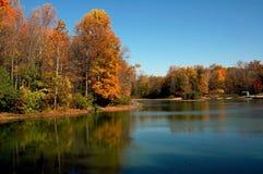 Escena del lago fall Imágenes de archivo libres de regalías