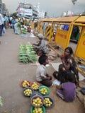 Escena del mercado en la India Imagen de archivo libre de regalías