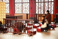 Escena del pasillo del templo fotografía de archivo libre de regalías