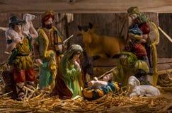 Escena del pesebre de la Navidad con las estatuillas Fotografía de archivo