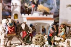 Escena del pesebre para la Navidad con varias diversas figuras Fotos de archivo libres de regalías
