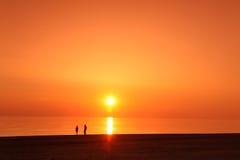 Escena del scape del mar en puesta del sol del océano, océano de la playa Fotos de archivo libres de regalías
