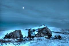 Escena HDR de la nieve y de la luna del invierno Imágenes de archivo libres de regalías
