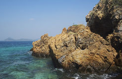 Escena ideal Hermoso sobre la playa blanca de la arena Opinión de la naturaleza del verano Fotografía de archivo