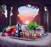Escena marroquí con servicio de té fotografía de archivo libre de regalías