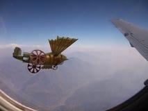 Escena misteriosa de la fantasía de la reunión de los aviones Imágenes de archivo libres de regalías