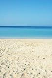 Escena pacífica de la playa imágenes de archivo libres de regalías