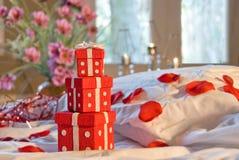 Escena romántica del dormitorio Imagen de archivo libre de regalías