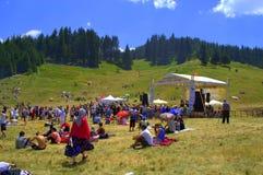 Escena Rozhen, Bulgaria del festival del folclore Foto de archivo libre de regalías