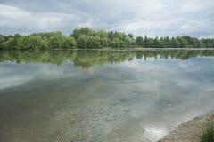 Escena tranquila de Danubio del río en Alemania, Europa. Imagen de archivo