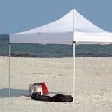 Escena tropical de la playa Imagenes de archivo
