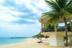 Escena tropical de la playa de la isla Vacaciones de verano del Caribe foto de archivo