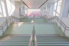 Escena vacía del nuevo edificio de la escalera de la arquitectura Foto de archivo
