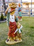 Escenas de la Navidad de la natividad de la estatuilla del panadero fotografía de archivo libre de regalías