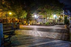 Escenas del paseo del tablero de la orilla del río en wilmington nc en la noche Fotos de archivo libres de regalías