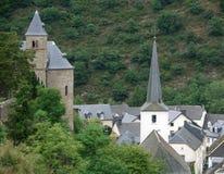 Esch-sur-Sûre på sommartid Arkivfoton