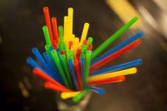 Escluda i tubi dei colori differenti nel vetro Fotografia Stock Libera da Diritti