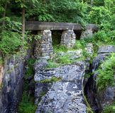 Esclusa del agua en la mina Imágenes de archivo libres de regalías