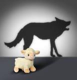 Escoa e a sombra do lobo. Gráfico de Contept. Foto de Stock