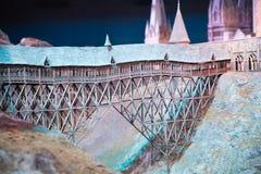 Escola de Hogwarts da feitiçaria e da feitiçaria, modelo contra do fundo preto Fotos de Stock Royalty Free