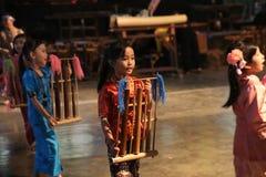 Escola de música do bloco de Angklung Ujo em Bandung Imagens de Stock Royalty Free