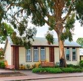 A escola velha da vila Fotografia de Stock Royalty Free