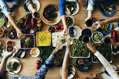 Escolha comer do bufete que janta o conceito dos povos do partido do alimento Foto de Stock