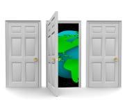 Escolha a porta a um mundo da oportunidade Fotos de Stock