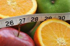 Escolhas saudáveis para a peso-perda foto de stock royalty free