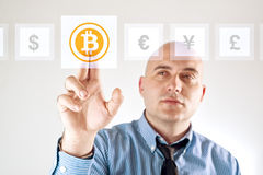 Escolhendo bitoins como a moeda Foto de Stock