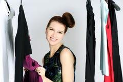 Escolhendo o vestido Fotografia de Stock Royalty Free