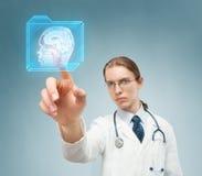 Escolhendo a ressonância magnética Imagens de Stock