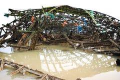 Escombros en agua fotografía de archivo