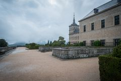 Escorial Monastary dans Autumn Storm images stock