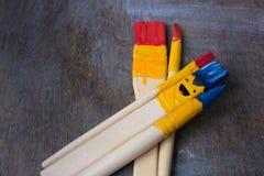 Escova colorida com sorriso Imagem de Stock