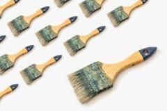 Escova de pintura em um fundo branco Teste padrão para seu projeto imagem de stock