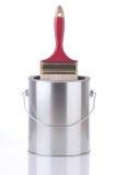 A escova de pintura pode dentro Fotografia de Stock Royalty Free