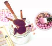 Escova para a composição com esferas do pó Fotos de Stock