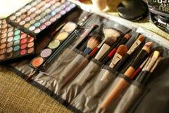 Escovas da composição e sombras de olho da composição Fotografia de Stock