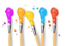 Escovas de cerda completamente de pinturas coloridas diferentes Imagem de Stock Royalty Free