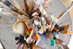 Escovas de pintura dos artistas Imagem de Stock