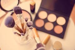 Escovas e ferramentas profissionais da composição Imagens de Stock