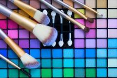 Escovas e paleta das sombras Foto de Stock Royalty Free