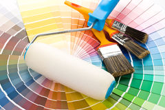 Escovas e pintura-rolo